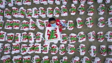Photo of সারিয়াকান্দিতে ৩০০ বন্যাদূর্গত পরিবারের পাশে মুশফিকের ফাউন্ডেশন